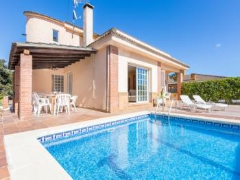 Villa Del Pi Blanes - Apartment in Costa Brava