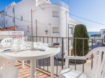 Places4stay Apartment Mar Sol 1 Llafranc - Apartment in Costa Brava