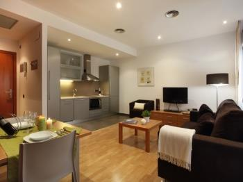 Places4stay Ramblas 1 Bedroom Apartment III - Apartment in Barcelona